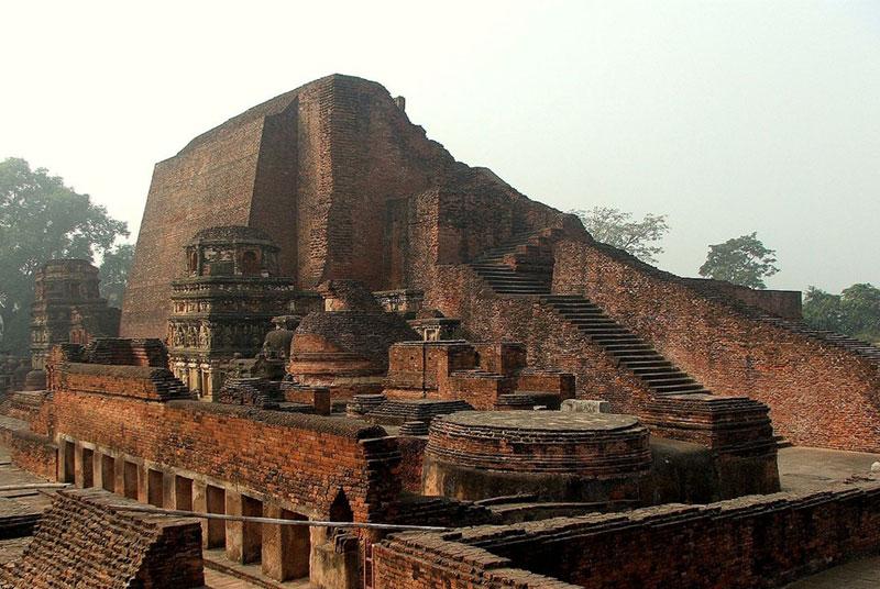 دانشگاه باستانی نالاندا در هند