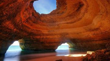 غار شگفت انگیز آلگارو در پرتغال