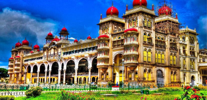 1tourist attractions in India
